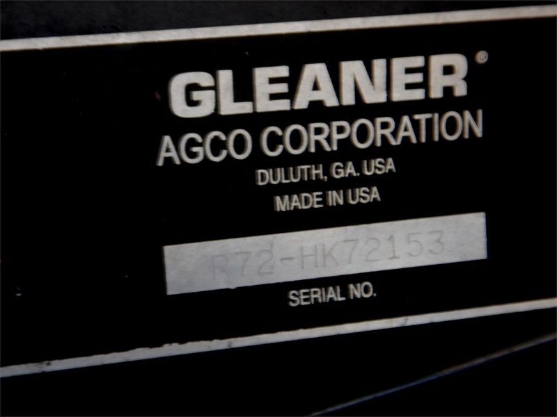 2001 Gleaner R72 Combine
