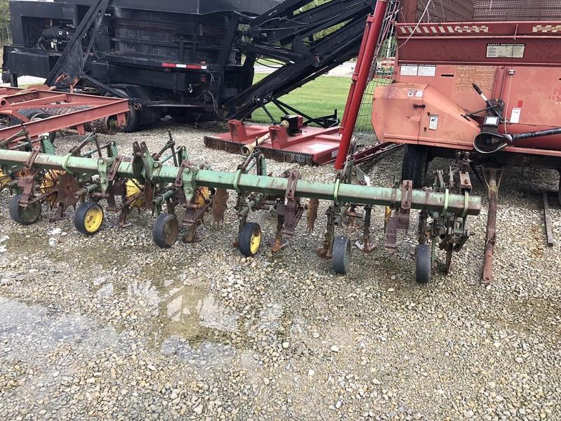 John Deere RG630 Cultivator