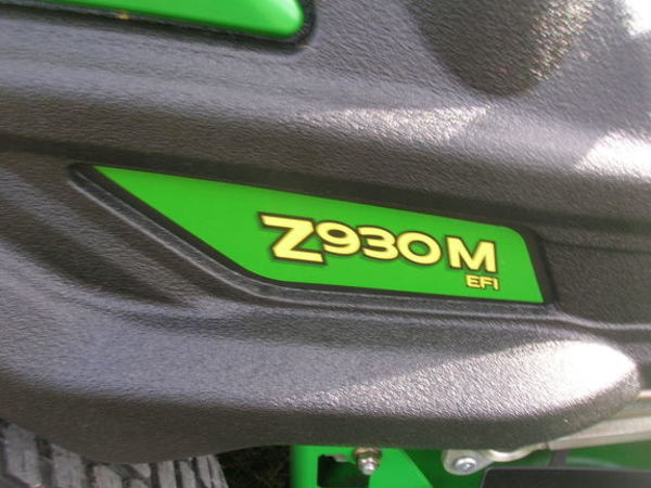 2013 John Deere Z930M EFI Lawn and Garden