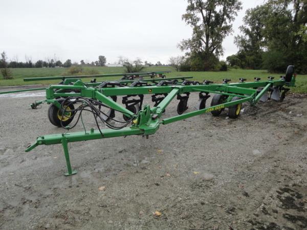 John Deere 3700 Plow