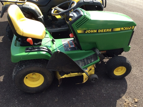1997 John Deere LX173 Lawn and Garden
