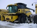 2006 New Holland CR940 Combine