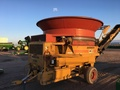 1993 Haybuster H1000 Grinders and Mixer
