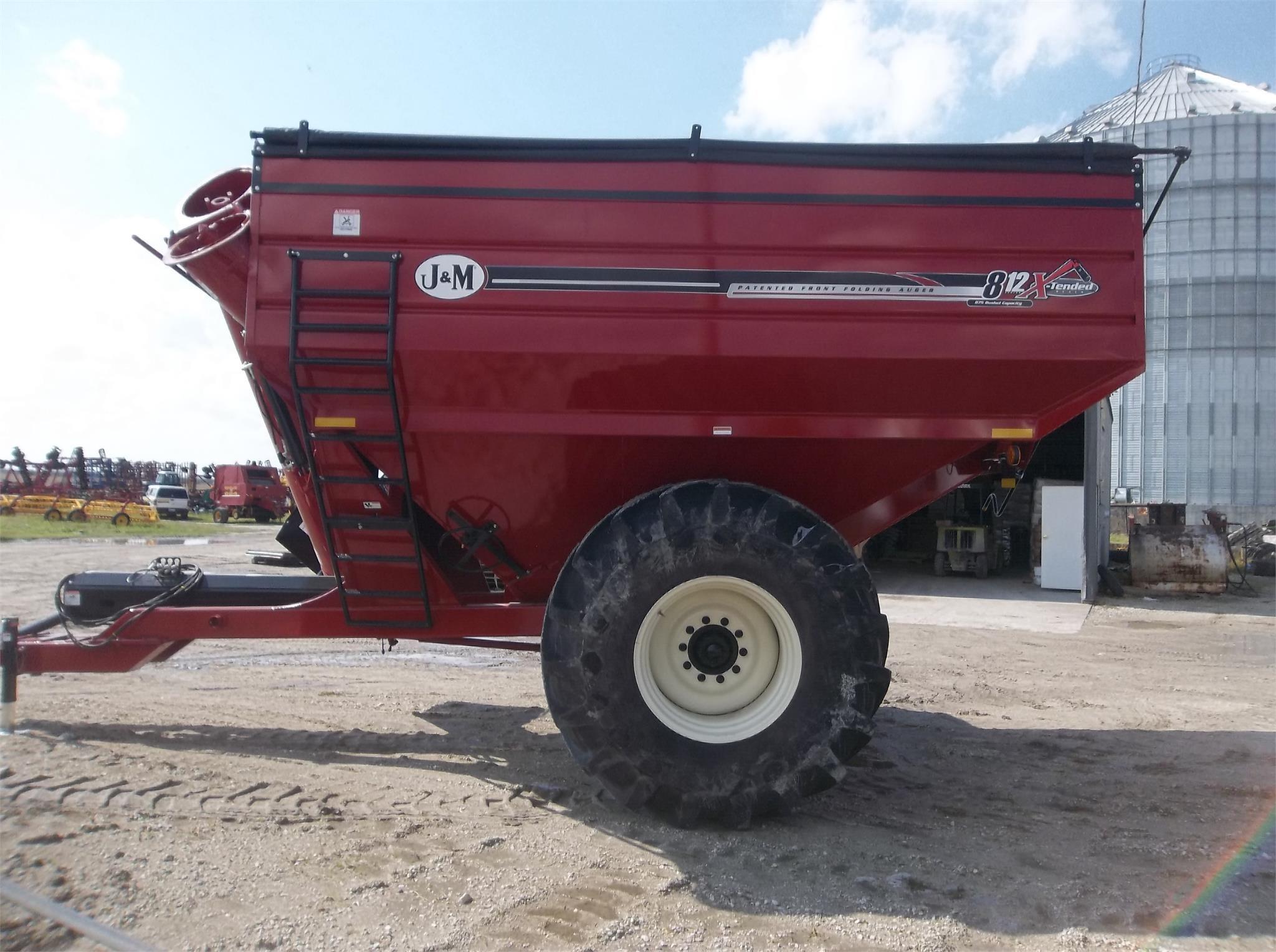 2018 J&M 812-18 Grain Cart
