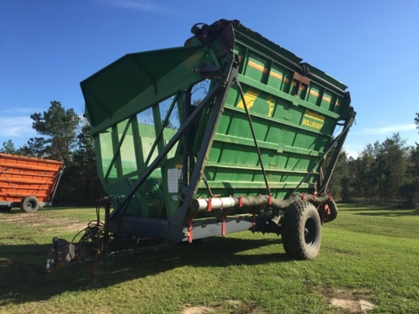 2005 Crust Buster 6 ROW BOLL BUGGY Cotton