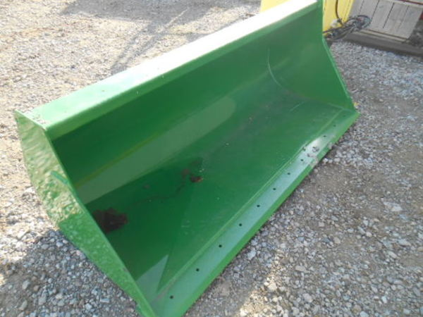 2015 John Deere Bucket Loader And Skid Steer Attachment