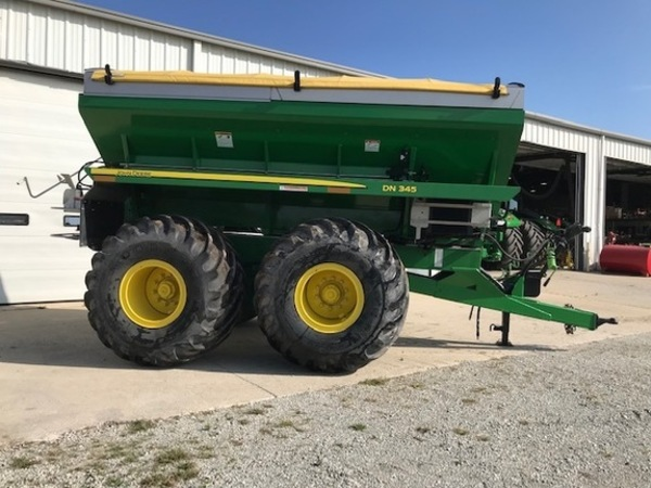 2014 John Deere DN345 Pull-Type Fertilizer Spreader