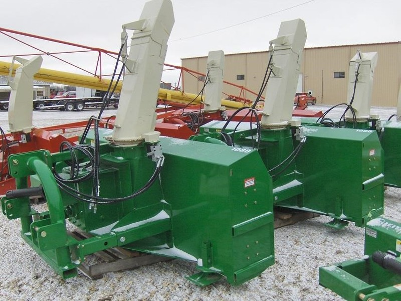 Farm King 1080 Snow Blower