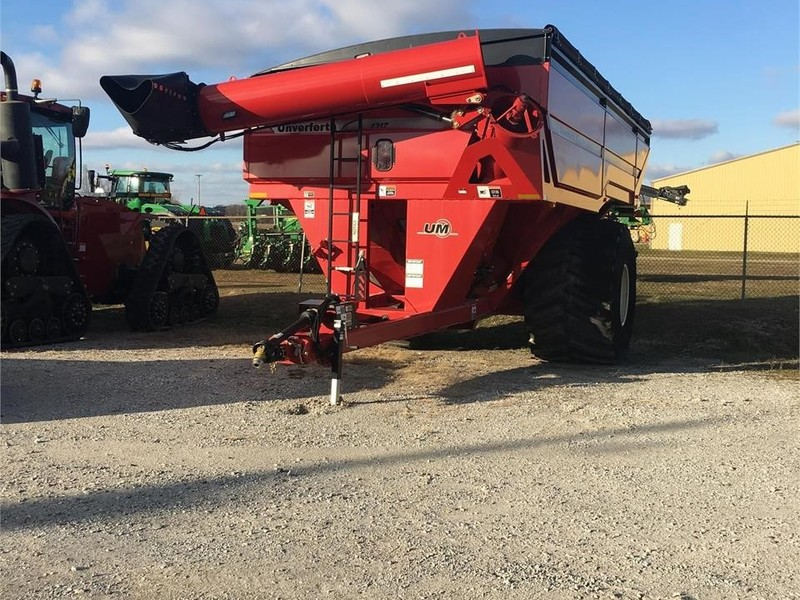 2015 Unverferth 1317 Grain Cart