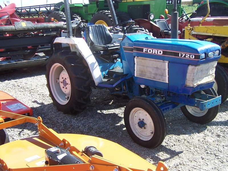 1989 Ford 1720 Tractor