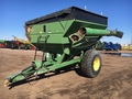 Brent 570 Grain Cart