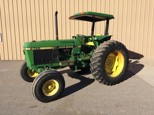 1989 John Deere 2755 Tractor