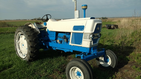 1963 Ford 6000 Tractor