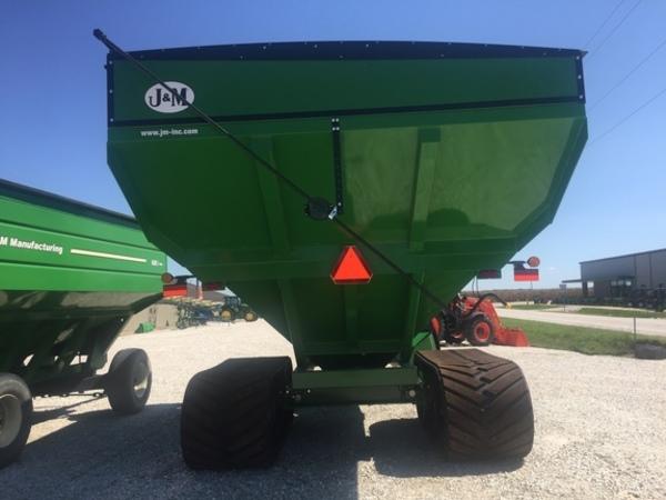 2018 J&M 1112 Grain Cart