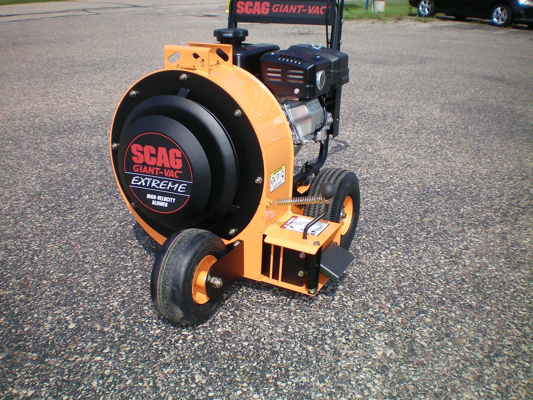 Scag Giant-Vac LBX15-EX27 Lawn and Garden