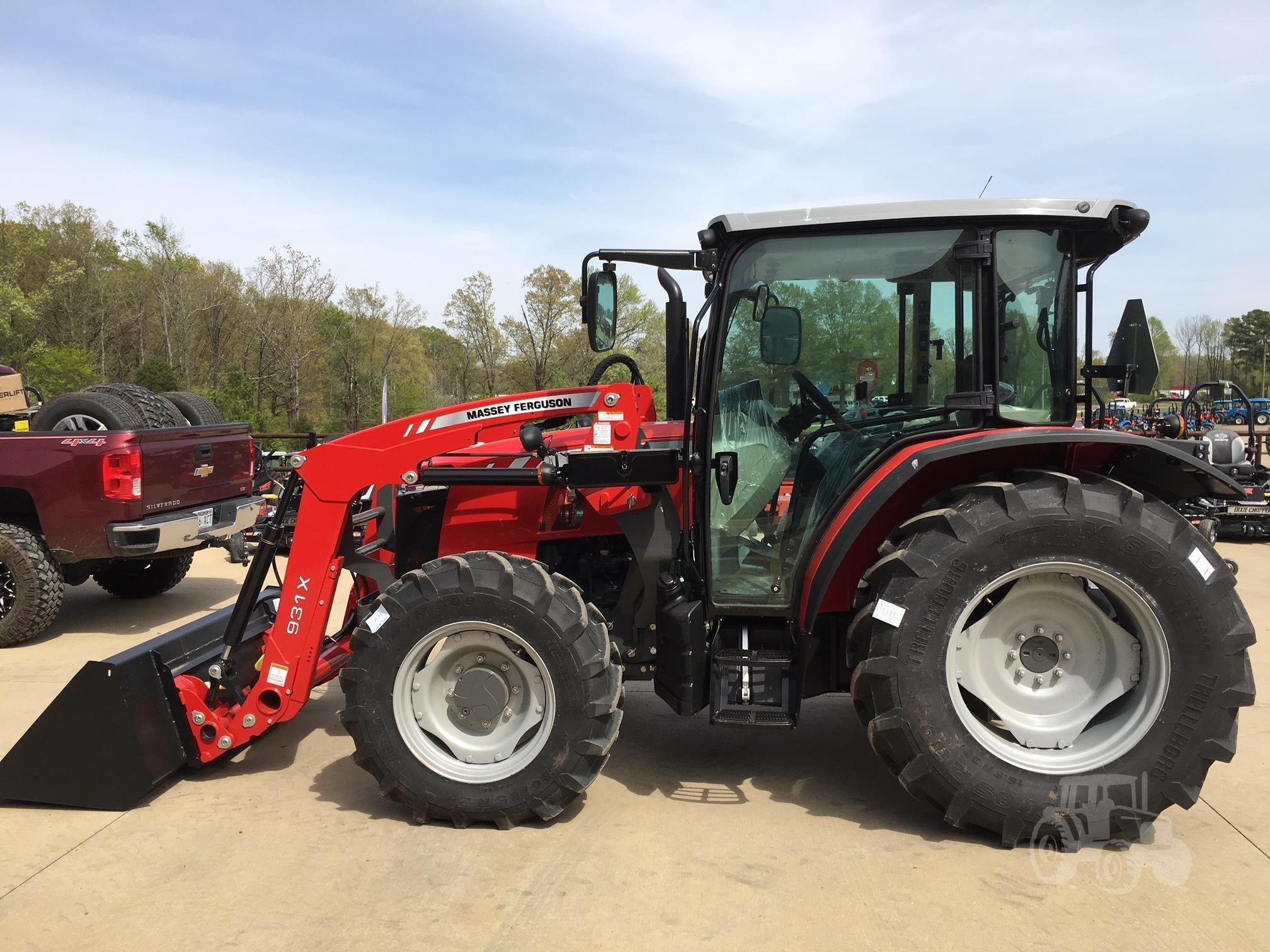 2021 Massey Ferguson 4708 Tractor