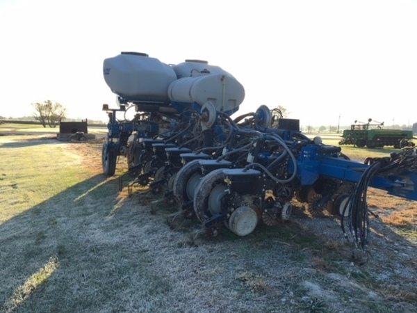 2014 Kinze 4900 Planter