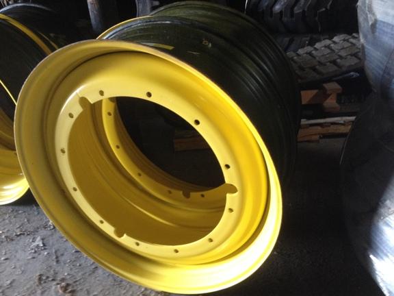 John Deere RE175536 Wheels / Tires / Track