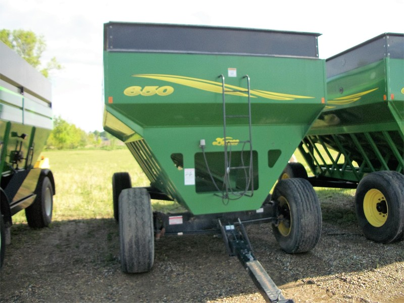 Used Demco 650 Gravity Wagons for Sale | Machinery Pete