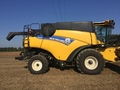 2015 New Holland CR6.90 Combine