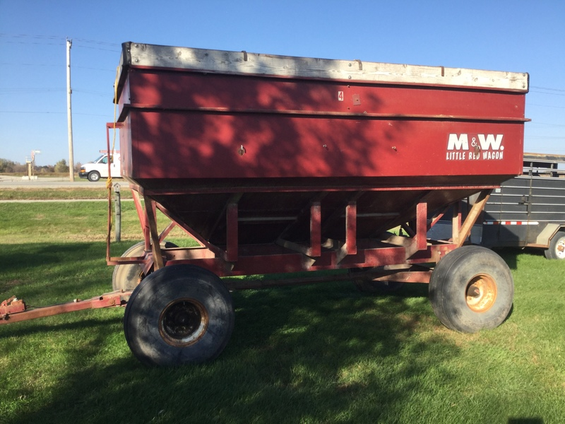 1981 M&W 300 Grain Cart