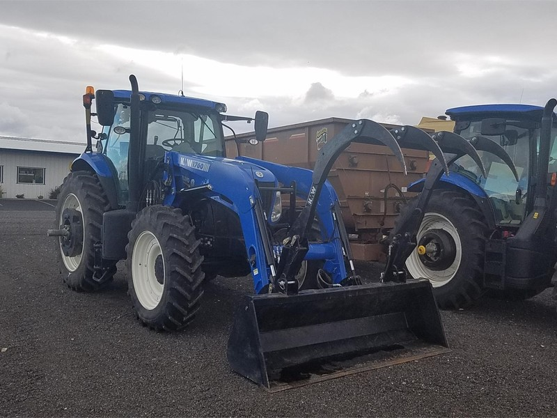 2014 New Holland T7 235 Tractor