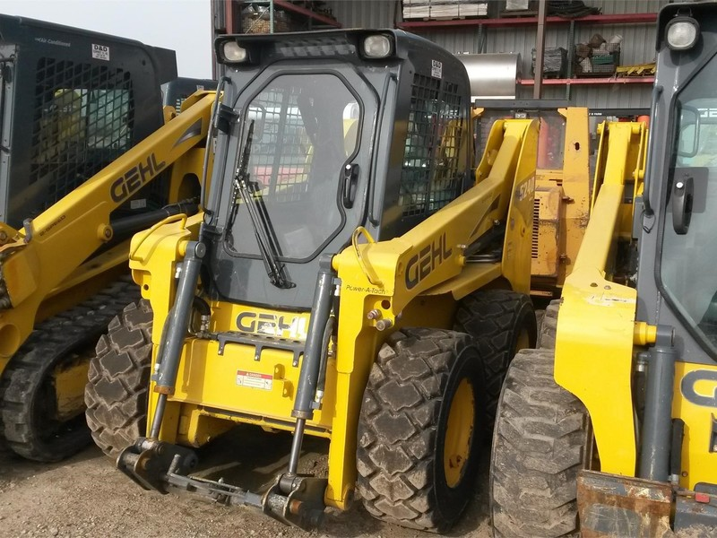Used Gehl 5240E Skid Steers for Sale | Machinery Pete