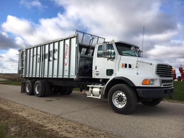 2005 Sterling LT9500 Semi Truck