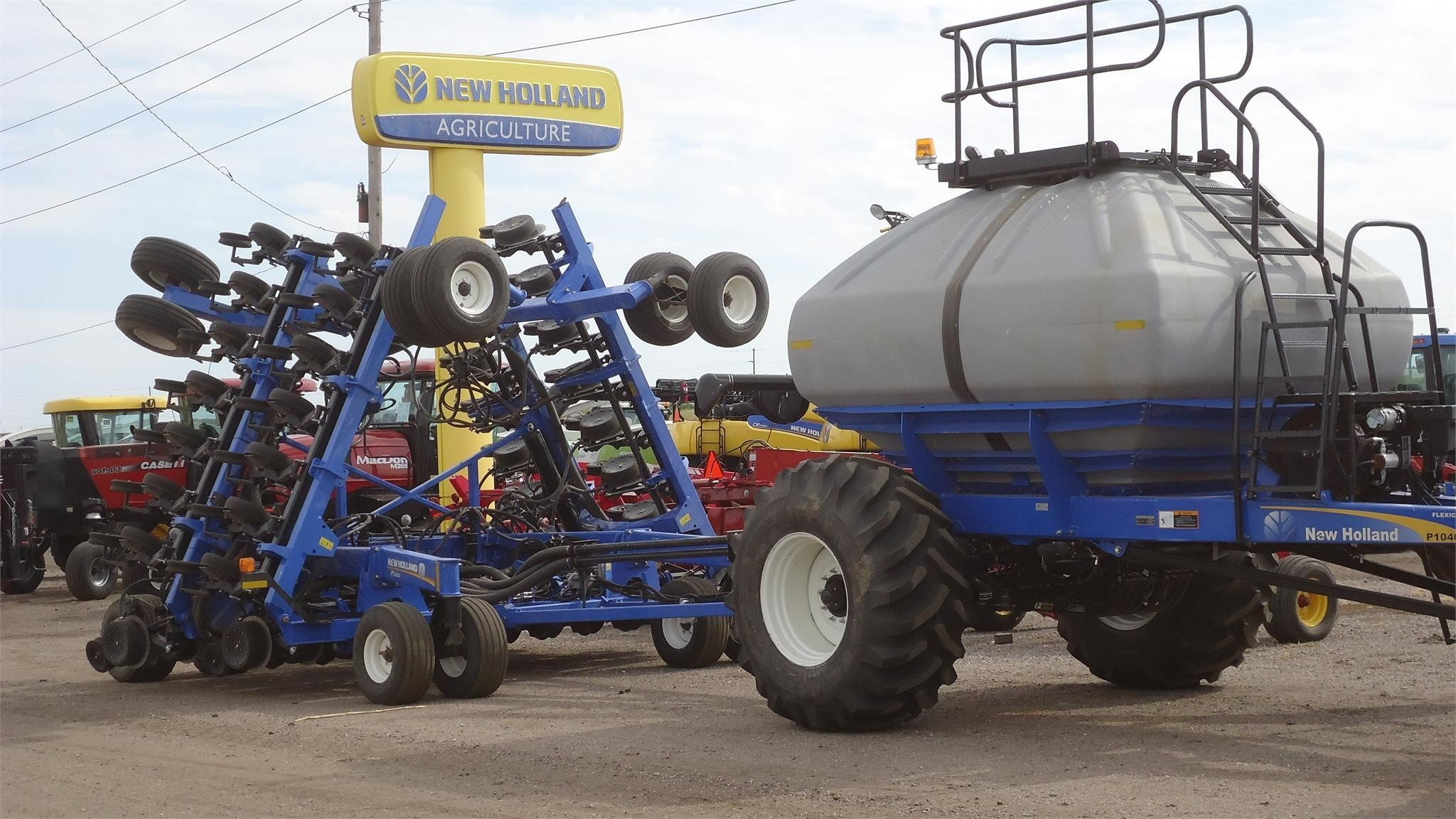 2015 New Holland P1040 Air Seeder