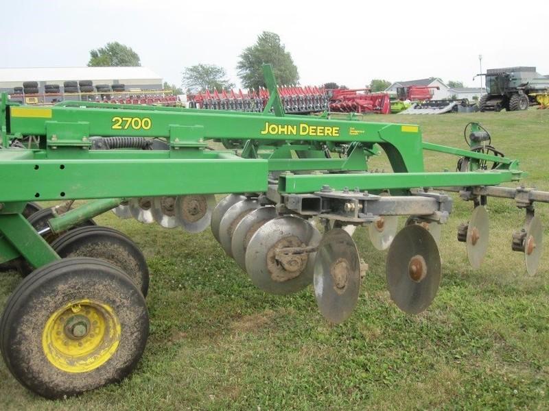 2011 John Deere 2700 Disk Chisel