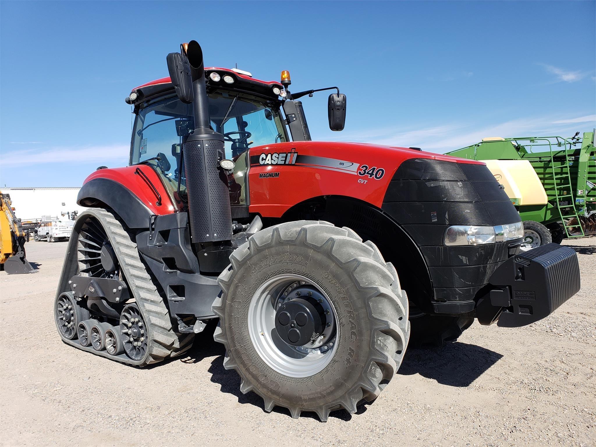 2017 Case IH MAGNUM 340 ROWTRAC CVT Tractor