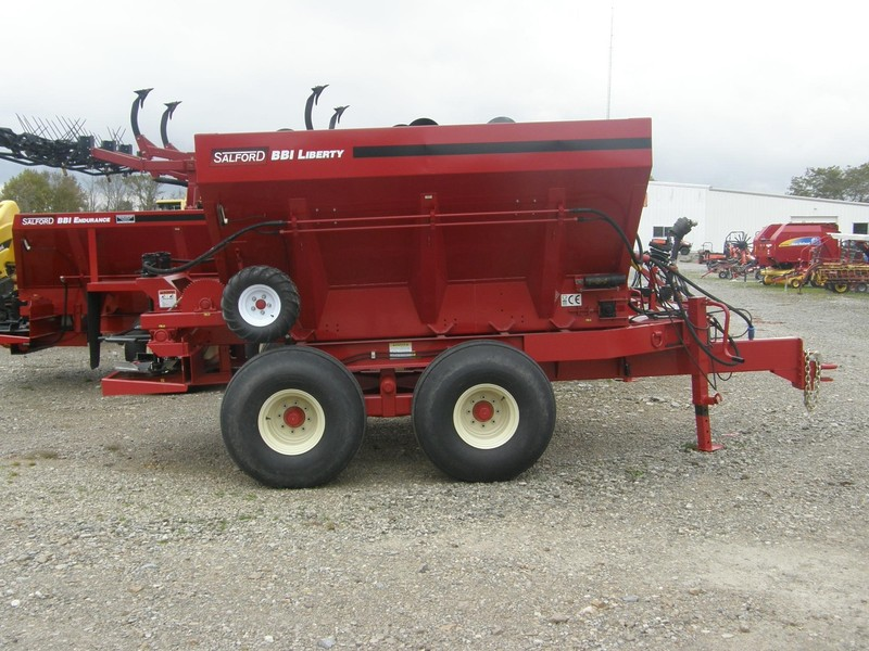 BBI Liberty Pull-Type Fertilizer Spreader