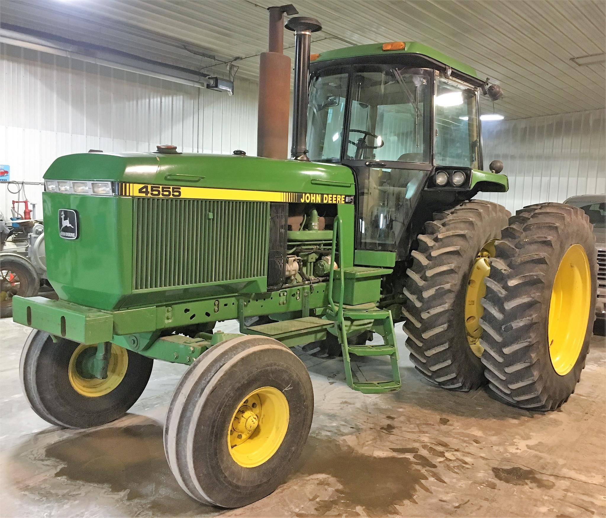 1989 John Deere 4555 Tractor