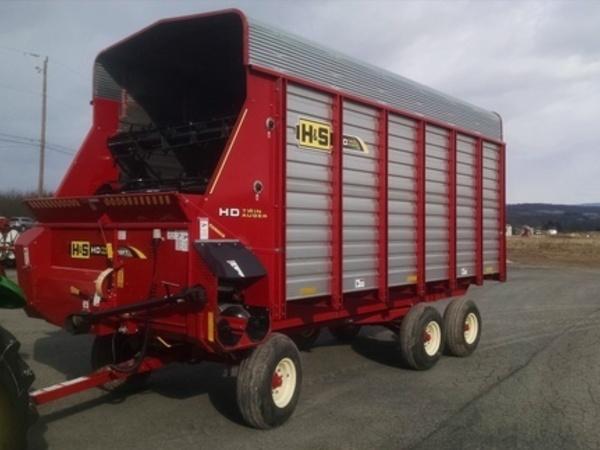 2015 H & S FBTA18 Forage Wagon