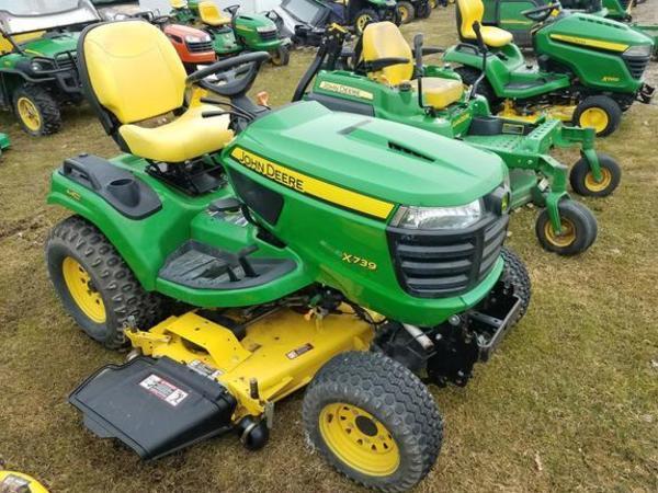2014 John Deere X739 Lawn and Garden