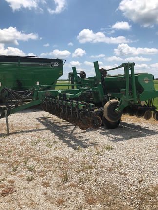 2000 Great Plains Solid Stand 1500 Drill