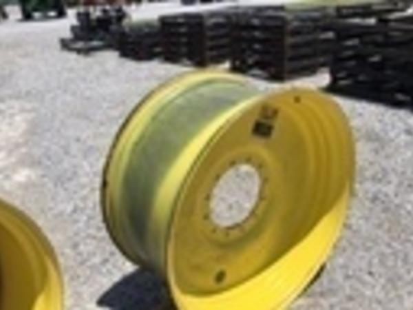 2017 Titan 20X38 Wheels / Tires / Track
