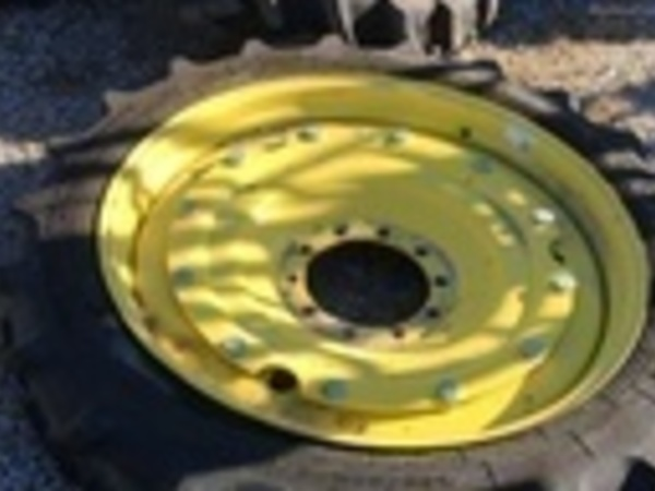 Goodyear 320/80R42 Wheels / Tires / Track