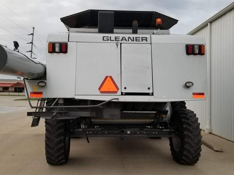 2011 Gleaner R66 Combine
