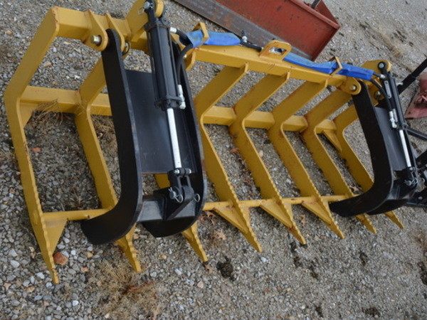 2015 B&H BH7 Loader and Skid Steer Attachment