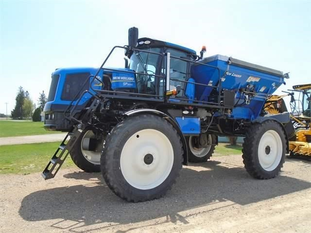 2017 New Holland SP.300C Self-Propelled Fertilizer Spreader