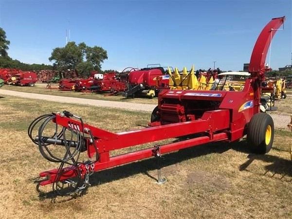 Used New Holland FP230 Pull-Type Forage Harvesters for Sale