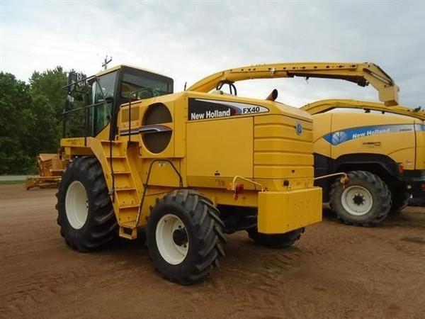 2003 New Holland FX40 Self-Propelled Forage Harvester