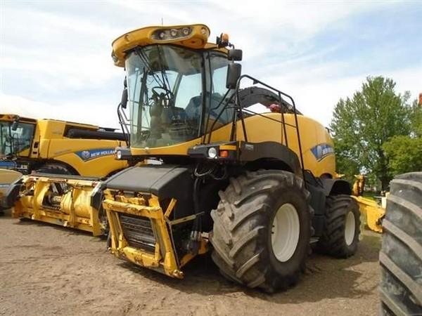 2015 New Holland FR700 Self-Propelled Forage Harvester