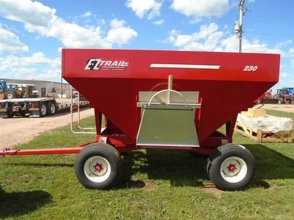 2018 E-Z Trail 230 Gravity Wagon