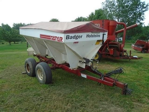 Ag Systems AG500 Pull-Type Fertilizer Spreader