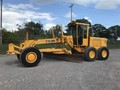 1990 Deere 772BH Compacting and Paving