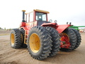 1983 Versatile 875 Tractor