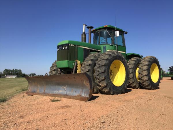 1982 John Deere 8450 Tractor