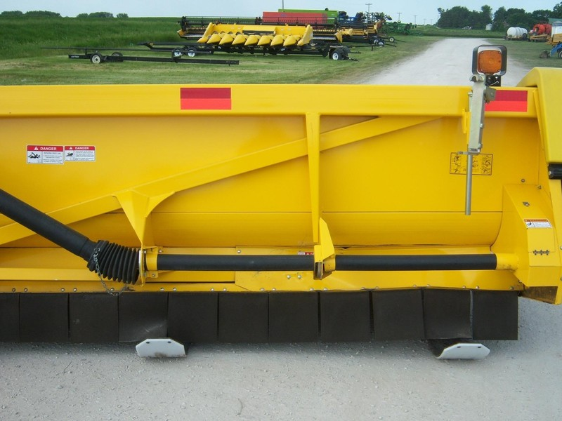 2013 New Holland 99C Corn Head